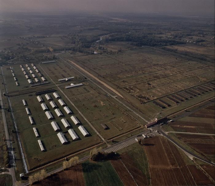 비르케나우 수용소 전경
